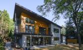 MId-Century_Modern_House_Exterior